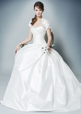 ROMONA by Romona Keveza Fall 2018 ball gown sweetheart neckline draped bodice wedding dress shrug