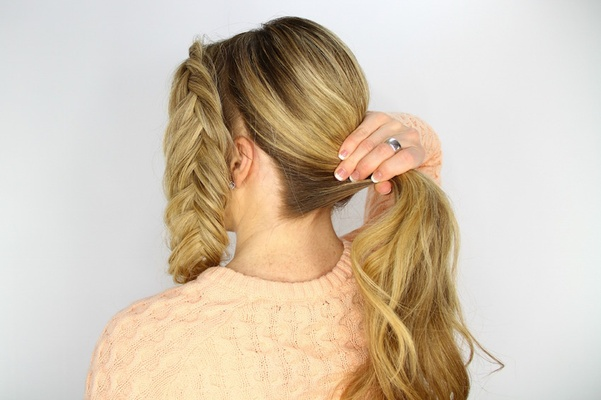 Bride Doing Her Own Diy Wedding Day Hairstyle Pony Tail