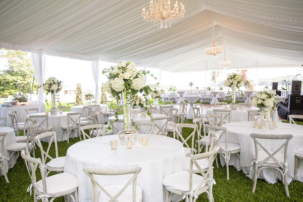 Classic Southern Garden Wedding with Modern Details in Savannah ...