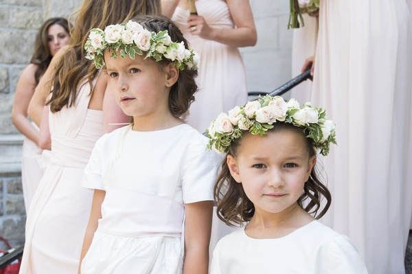 White short-sleeve flower girl dresses with pink flower crown
