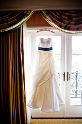 Junko Yoshioka two-toned wedding dress