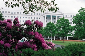 West Virginia resort with pink flowers