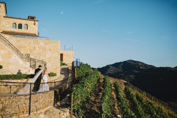 malibu rocky oaks vineyard wedding venue santa monica mountains, bride with cathedral veil