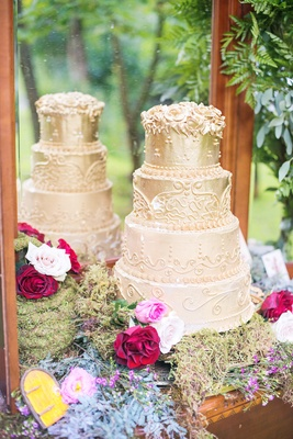 golden wedding cake designs frosting mirror florals celtic wedding