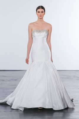 Dennis Basso for Kleinfeld 2018 collection wedding dress strapless trumpet gown mikado satin beading