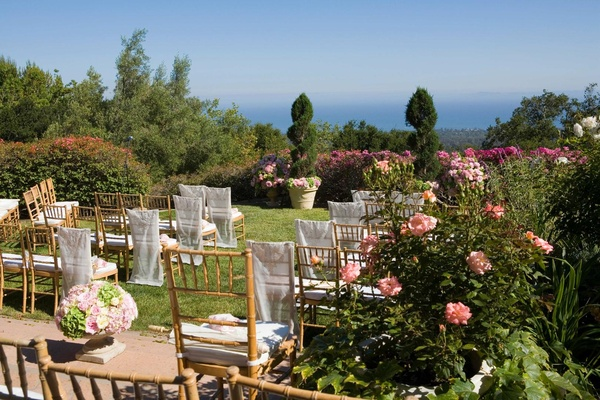 Outdoor wedding at home of actor Jeff Bridges