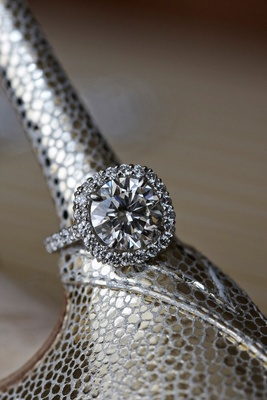 joel singer halo diamond engagement ring