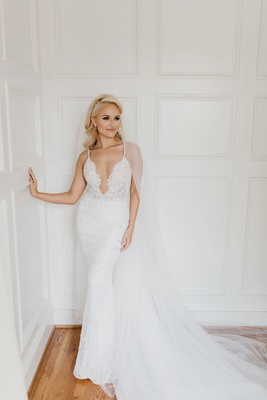 bride former miss america savvy shields in berta wedding dress lace form fitting tight gown veil
