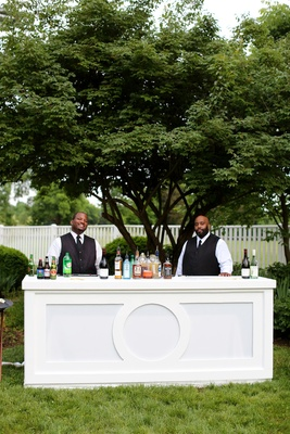 outdoor cocktail hour, elegant bar, outdoor bar