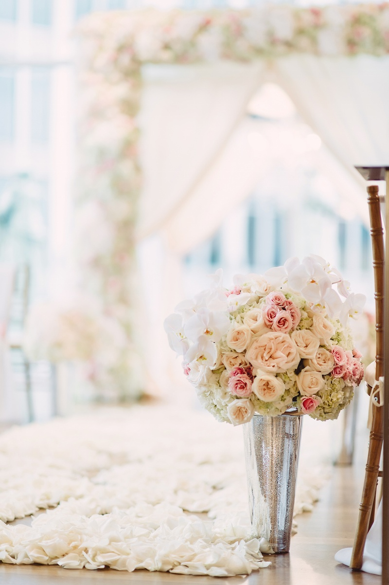 White & Blush Inspirational Wedding Shoot at Urban Rooftop Garden ...