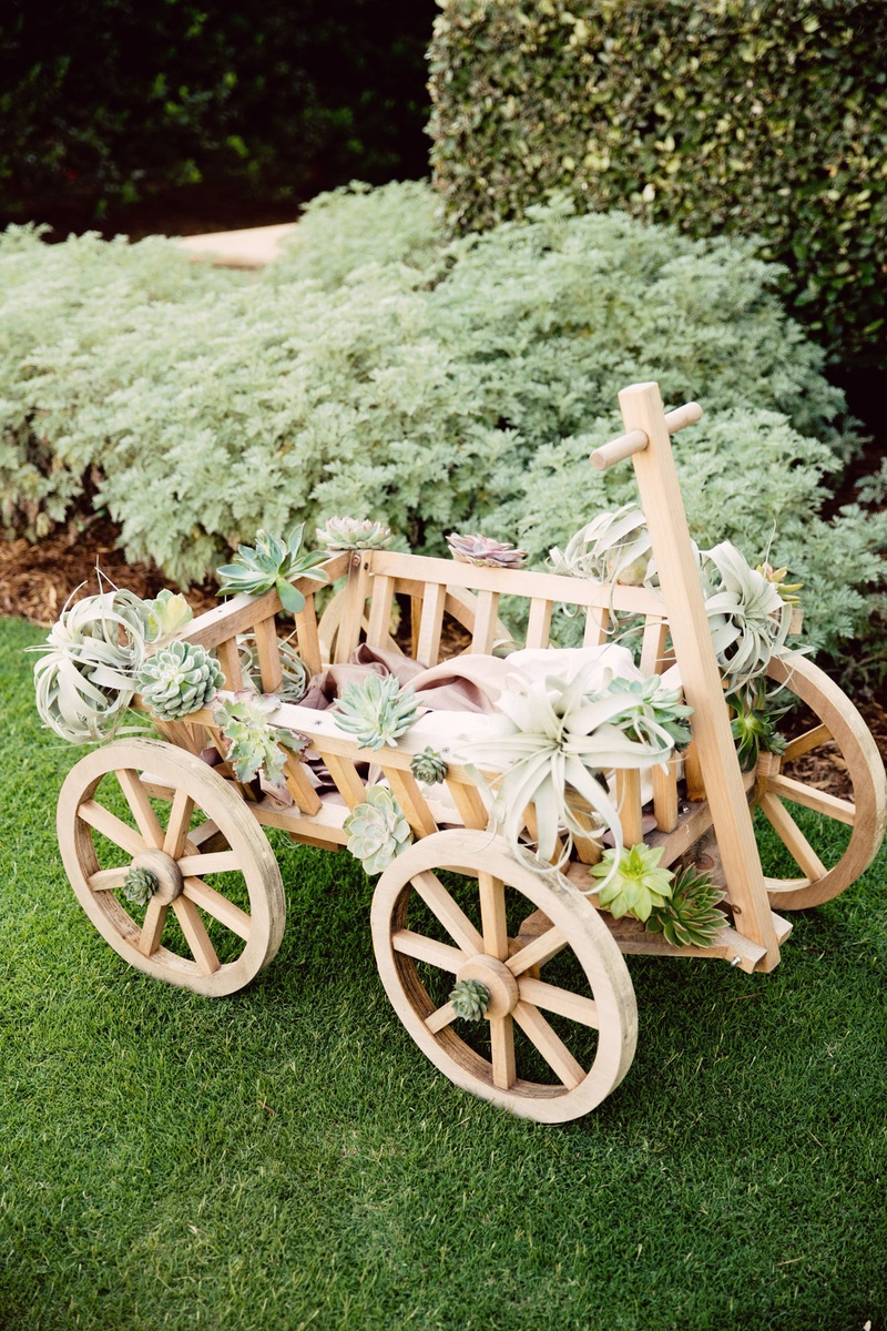 Ceremony Décor Photos Wooden Wagon With Desert Plants Inside