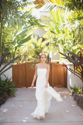 bride in j. mendel wedding dress, maui destination wedding, natural beauty bride