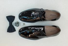 wedding photo detail shots, groom dress shoes, watch, black bow tie