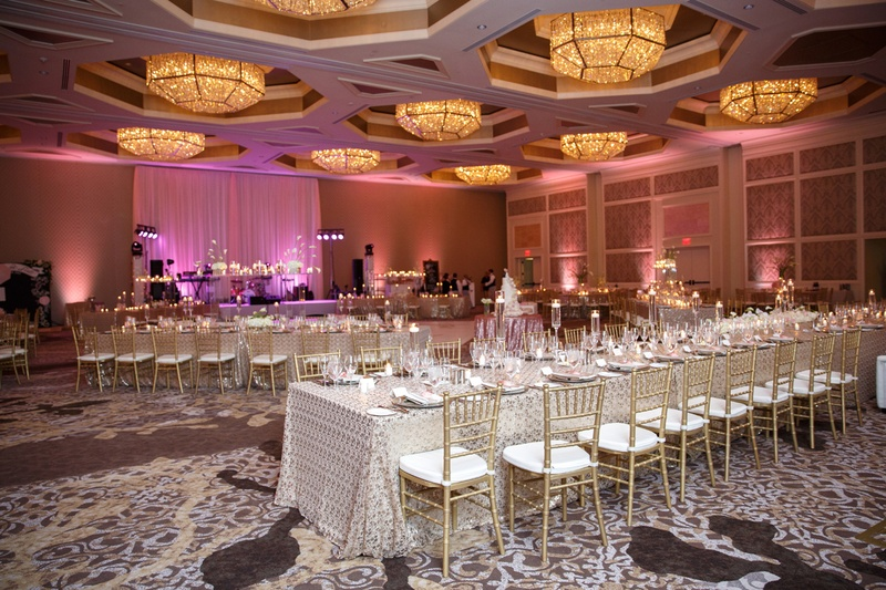 Reception Dcor Photos Pattnered Linens And Pink Uplighting