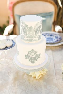 White cake with damask motif