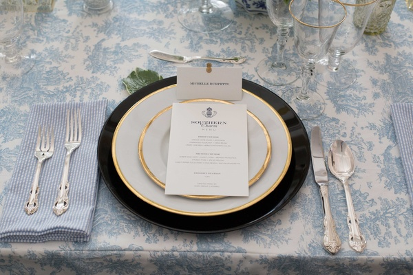southern-inspired wedding, blue and white décor, gold-rimmed tableware