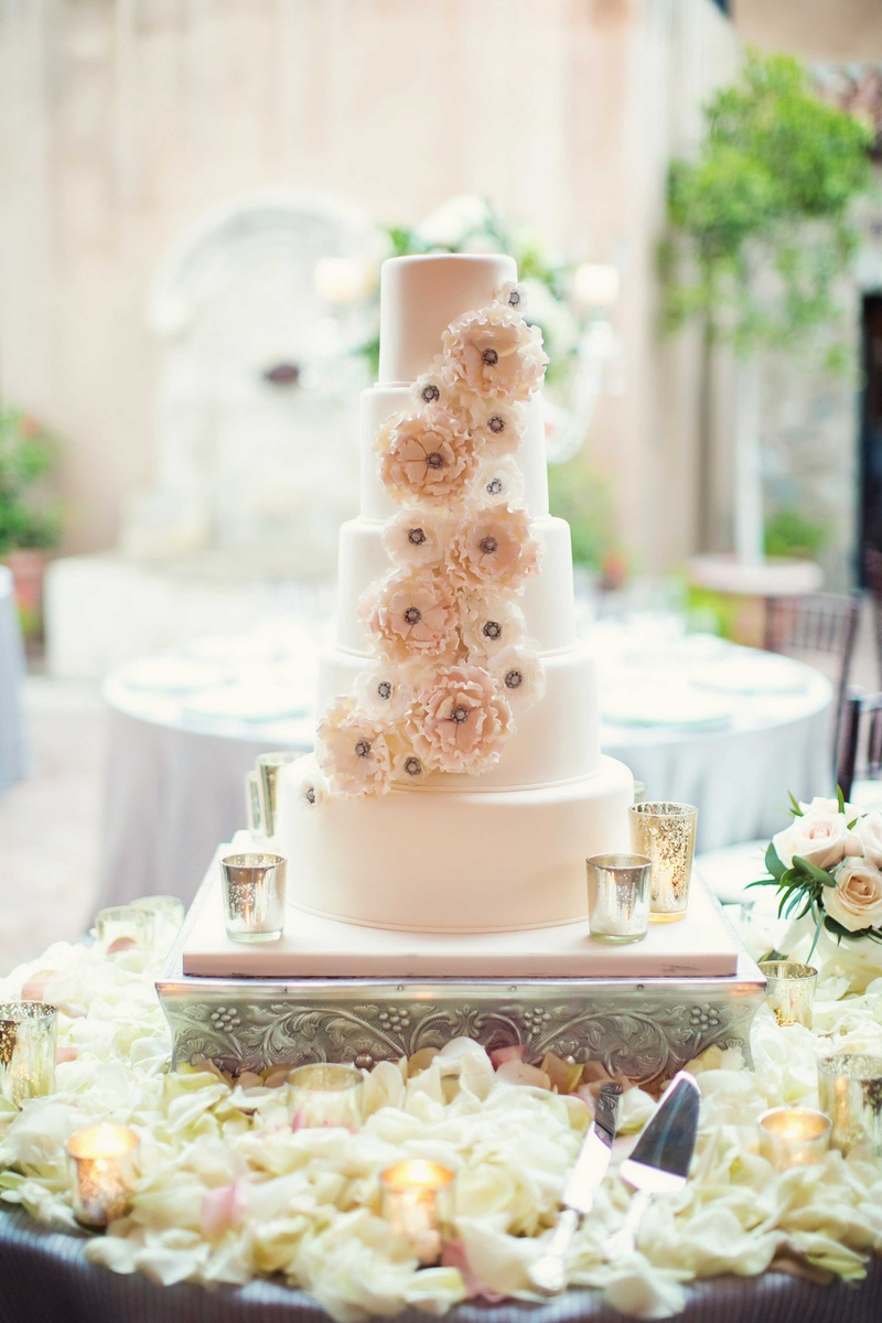 wedding cake with flowers in between layers cakes amp desserts photos sugar flower five layer cake 26882