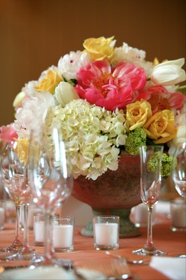 Short centerpieces with abundance of flowers