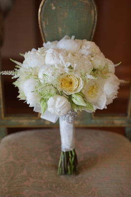 Joanna Krupa wedding bouquet with roses and stephanotis