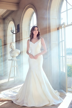 Sareh Nouri Spring 2019 collection mikado v neck trumpet gown with buttons and train