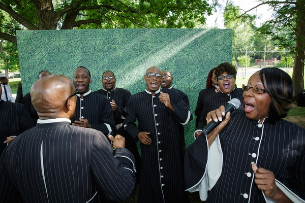Billy Rivers and the Angelic Voices of Faith perform at country club wedding ceremony