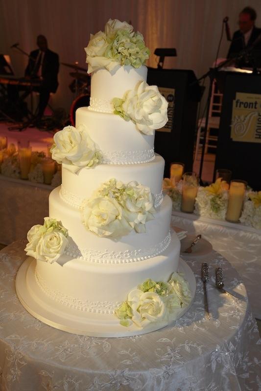Cakes + Desserts Photos - Fresh Ivory Flower Wedding Cake - Inside ...