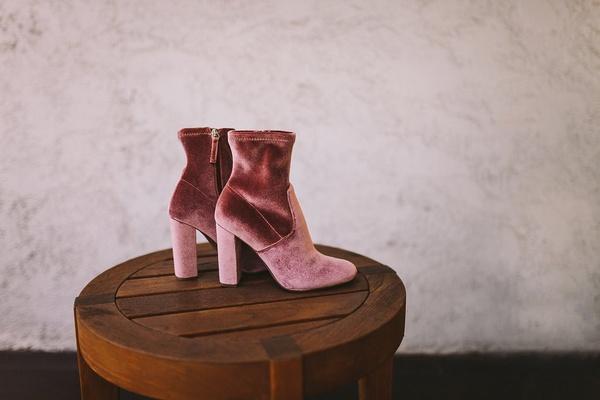 steve madden velvet ankle booties in dusty rose