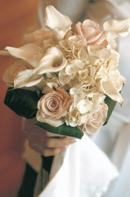 Bridesmaid bouquet with white and blush flowers