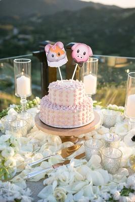small pink wedding cake, vegan and gluten-free cake, wedding emoji cake toppers