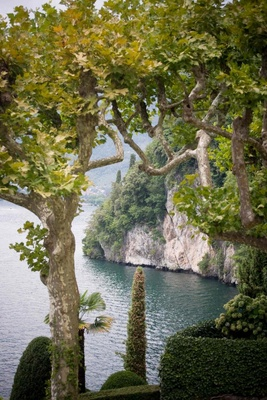 Italian wedding venue with view of Lake Como