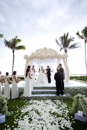 White rose chuppah and babys breath steps