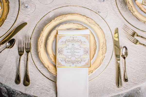 Created using our Vogue Gold Linen and Ivory Shantung Napkins