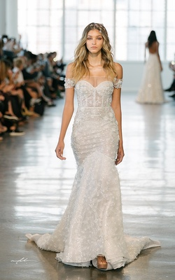 Sexy Wedding Dresses for Fall 2018
