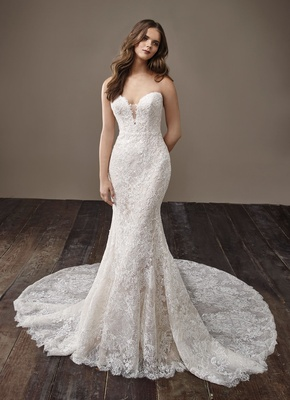 Badgley Mischka Bride 2018 collection wedding dress Bijou lace bridal gown strapless