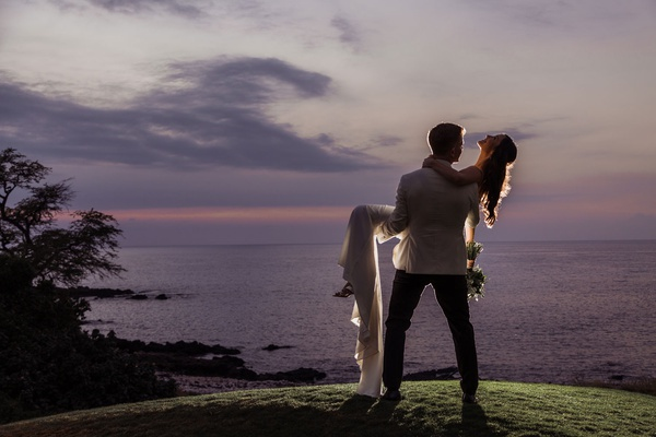 wedding portrait couple shot ideas purple and pink sky ocean hawaii destination wedding photo