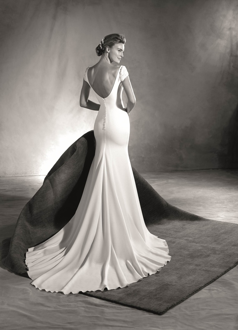 12446035a95 Atelier Pronovias 2017 Edrei crepe wedding dress with low back short  sleeves jewels black and white.