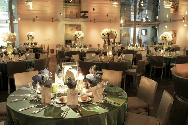 bf6b691ac1 Reception Décor Photos - White and Green Reception Space - Inside ...