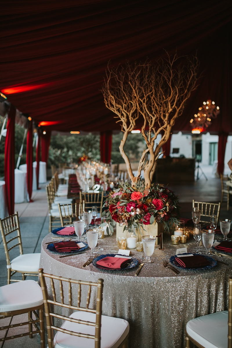 Reception Décor Photos - Manzanita Tree on Reception Table - Inside ...