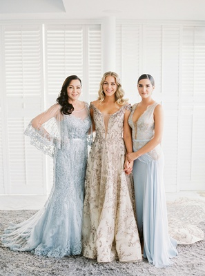 wedding portrait mariana paola vicente with mother and sister claudia light blue romantic dresses