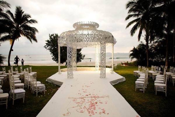 Courtney Mazza and Mario Lopez wedding site