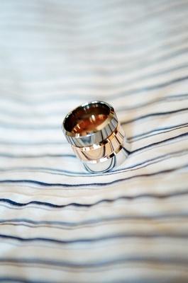 Gold, silver, titanium groom wedding rings mens bands