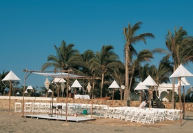 Beach wedding in Acapulco, Mexico