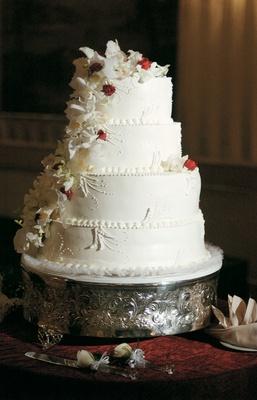 White Hawaiian Paradise Cake And Dobash