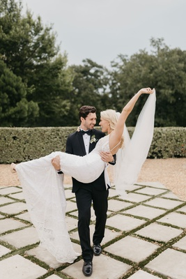 former miss america savvy shields being picked up by groom on wedding day arkansas home state