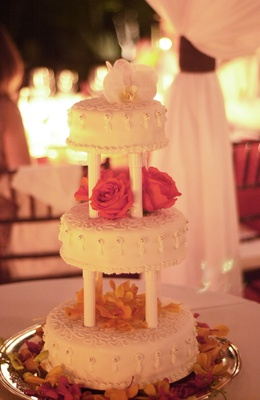 Three tier confection with columns