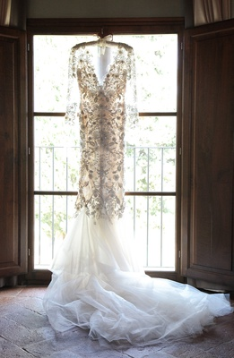 marchesa wedding dress long sleeves v neck mermaid, floral appliques, tulle train