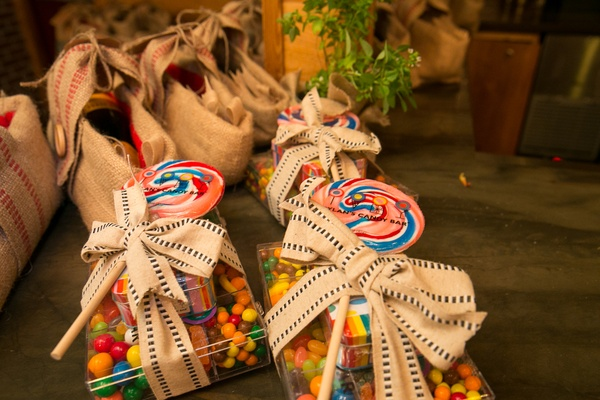 Dylan's Candy Bar wedding favors for bridal shower