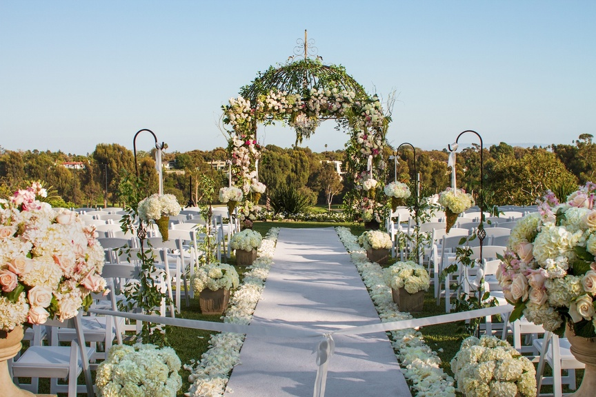 Linda Howard Events transformed this country club lawn into a romantic space by way of unique décor