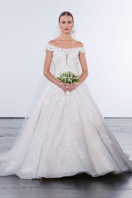 Dennis Basso for Kleinfeld 2018 collection wedding dress off the shoulder a line gown veil bouquet