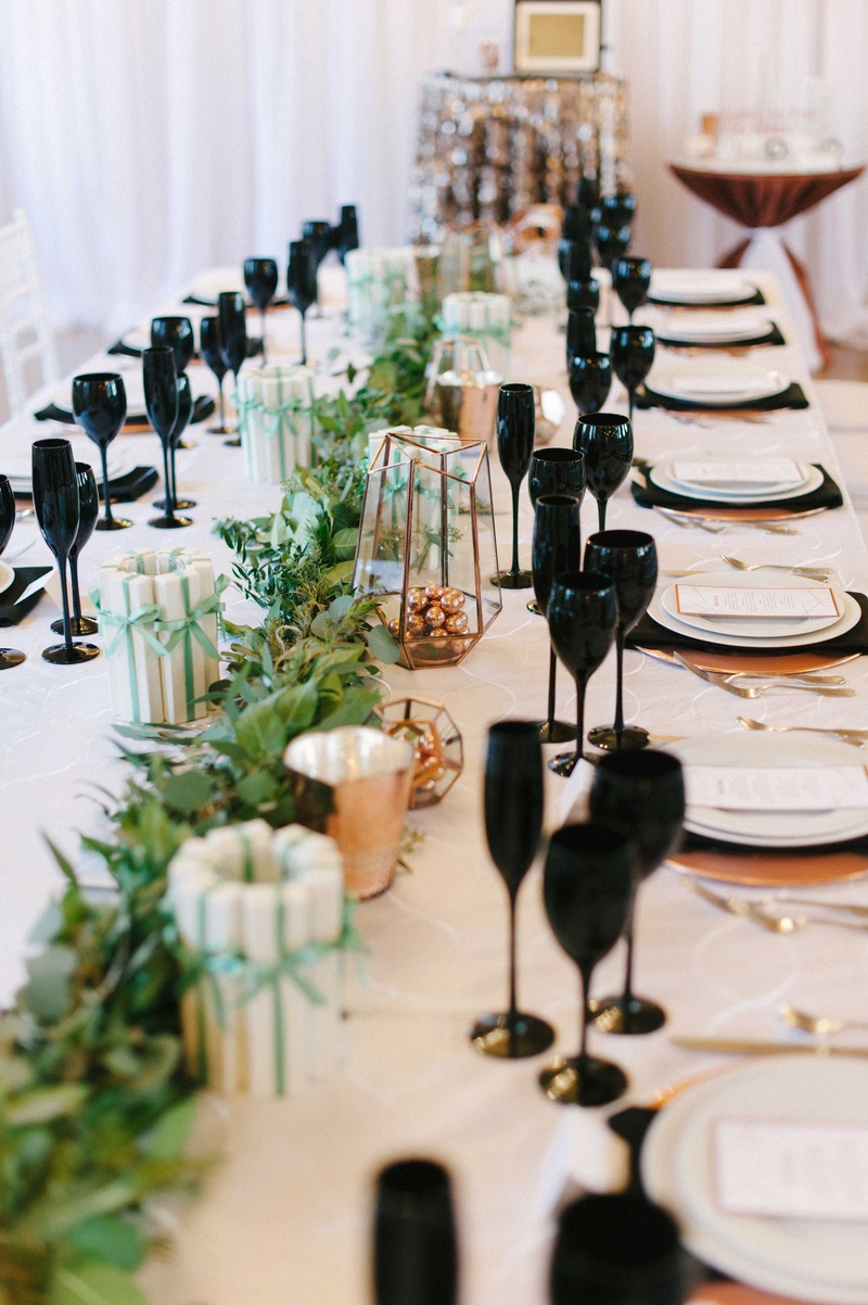 Reception Dcor Photos White Black Green And Copper Tablescape